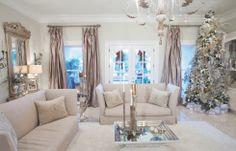 Homes for the Holidays: Kathy and Steve Allen create a winter Wonderland in Gulfport. Photo by Neil Ladner for Mississippi Magazine.