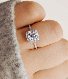 #Wedding #Engagement #Ring #Sparkly #engagementringstyles #haloengagementring