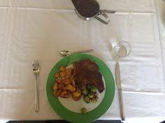 Bij praktijkschool De Maat, Ommen kun je heerlijk eten, gemotiveerde leerlingen kookten voor het College van B.