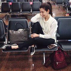 """""""GRU - LAX ✈️ #geontheroad #aerolook #bendtherules @hpbrasil @meghan_trainor"""""""