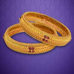 Wedding Bangles Chura in India at Round & Bold. Choose from a wide range of formal bangles especially designed for the working women to suit all office looks. Gold Bangles Design, Gold Earrings Designs, Gold Jewellery Design, Gold Designs, Designer Jewellery, Fashion Jewellery, Necklace Designs, Simple Designs, Gold Jewelry Simple