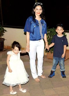 B-Town stars and their kids attend Sanjay Dutt's twins' birthday bash - http://www.dnaodisha.com/entertainment/b-town-stars-and-their-kids-attend-sanjay-dutts-twins-birthday-bash/5566