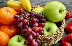 Welches Obst gehört in den Kühlschrank? Welches Obst hat es lieber warm? Welche Obstsorten beeinflussen sich gegenseitig? Das 𝐫𝐢𝐜𝐡𝐭𝐢𝐠𝐞 𝐋𝐚𝐠𝐞𝐫𝐧 𝐯𝐨𝐧 𝐎𝐛𝐬𝐭 𝐢𝐬𝐭 𝐰𝐢𝐜𝐡𝐭𝐢𝐠 𝐮𝐦 𝐞𝐬 𝐥ä𝐧𝐠𝐞𝐫 𝐡𝐚𝐥𝐭𝐛𝐚𝐫 𝐳𝐮 𝐦𝐚𝐜𝐡𝐞𝐧 - und damit um der Lebensmittelverschwendung den Kampf anzusagen! Hier findest du Tipps und Tricks wo du welches Obst aufbewahren solltest, damit es möglichst lange herrlich schmeckt. Summer Fruit, Free Photos, Apple, Stock Photos, Lifestyle, Photo Art, Basket, Food, Food Waste