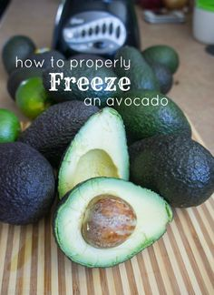 How to Properly Freeze an Avocado Whole. Sliced, diced, or mashed avocado are not very desirable when frozen. The best way to preserve and freeze an avocado is in a pureed form. Freezer Cooking, Freezer Meals, Cooking Tips, Cooking Recipes, Food Tips, Food Food, Avocado Recipes, Healthy Recipes, Avocado Salads