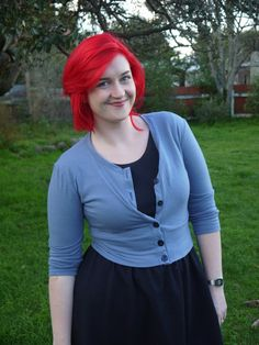 For as long as I've been sewing, I've been wanting a nice cardigan pattern. The desire has really amped up in the last year, though, when everyone started knitting these cute cropped ca…