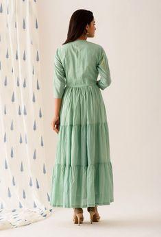 Mint Green Buttoned Tiered Long Dress Cute Dresses For Teens, Summer Dresses For Women, Stylish Dresses, Fashion Dresses, Diy Fashion, Dress Outfits, Fashion Design, Simple Kurta Designs, Kurta Designs Women