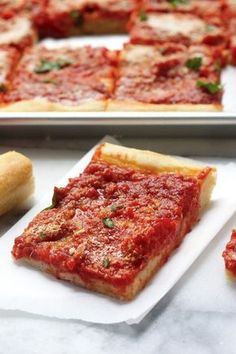 Tomato Pie - a Summertime Classic! Thick chewy crust topped with tangy tomato sauce! Everyone loves this! Tomato Pie - a Summertime Classic! Thick chewy crust topped with tangy tomato sauce! Everyone loves this! Pizza Recipes, Vegetarian Recipes, Cooking Recipes, Skillet Recipes, Cooking Gadgets, Sicilian Pizza Recipe, Tomato Pizza Pie Recipe, Great Recipes, Favorite Recipes