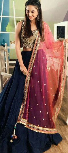 Get yourself dressed up with the latest lehenga designs online. Explore the collection that HappyShappy have. Select your favourite from the wide range of lehenga designs Pakistani Dresses, Indian Dresses, Indian Outfits, Indian Attire, Indian Wear, Moda Indiana, Indian Lehenga, Blue Lehenga, Lehenga Choli