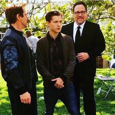 Happy national superhero day. @robertdowneyjr @jonfavreau #spidermanhomecoming | Posted by TOM ♡