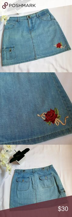 Gloria Vanderbilt jean skirt with rose applique Blue jean mini skirt with shorts and rose embellishment Wren on a Wire Skirts Mini