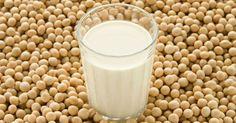Soya sütü son yıllarda gittikçe popüler olan faydalı bir besindir. Süt kadar zengin bir içeriğe sahiptir.