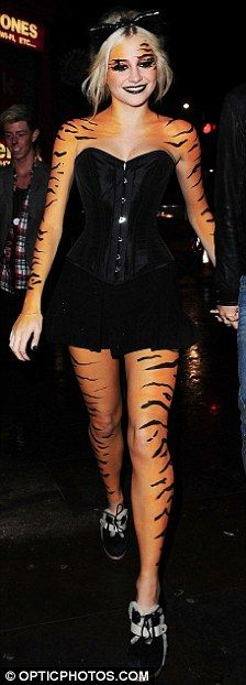 the stunning mega talented pixie lott painted in tiger style body make up for halloween makeuphalloween ideashalloween costumesmakeup - Stunning Halloween Costumes