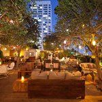 LA Bars On The Beach - Beachside Restaurants and Bars