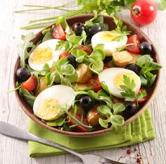 Stay cool this summer with a delicious cucumber-avocado-kale salad featuring Vi Bites Glorious Greens and reduced fat feta cheese. Kale Salad, Vegetable Salad, Caprese Salad, Cobb Salad, Olives, Greek Vegetables, Salad Bar, Summer Salads, Cucumber