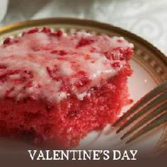 strawberry sheet cake...just like I make only totally from scratch....hmmmmm....may have to try!