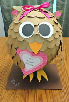 : tutorial for the cutest owl valentine's box - made this one for Liz's Valentine box at school Turned out super cute! My Funny Valentine, Valentine Boxes For School, Kinder Valentines, Valentines Day Party, Valentine Day Crafts, Valentine Ideas, Printable Valentine, Homemade Valentines, Valentine Wreath