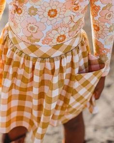 Adorable pocket skirt for girls! Cute Baby Girl Outfits, Cute Outfits, Little Girl Fashion, Kids Fashion, Girls Dresses, Summer Dresses, Special Dresses, Skirts With Pockets, Babydoll Dress