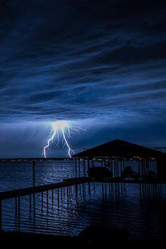Lightning / Jeff Fahrenbruch