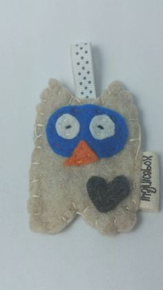 Check out this item in my Etsy shop https://www.etsy.com/listing/240284816/eco-fi-felt-owl-keychain-keychain-owl