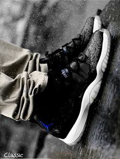 55764baed9b56 Air Jordan XI Space Jam skype  tracy.westboard Email sneakerstogo hotmail.