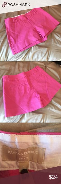 ⭐️New pair of Banana Republic pink shorts⭐️ ✨This Is a brand new pair of Banana Republic Ryan Fit shorts in a gorgeous pink. They have front pockets with covered buttons on each did for a little extra and flat back pockets.  A great addition to your Spring/Summer wardrobe.  As you know these shorts are a great price if you have ever shopped at Banana Republic.✨ Banana Republic Shorts