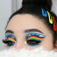 make up artistique fantasy makeup face art Makeup Eye Looks, Eye Makeup Art, Colorful Eye Makeup, Crazy Makeup, Blue Eye Makeup, Cute Makeup, Makeup Inspo, Eyeshadow Makeup, Makeup Inspiration