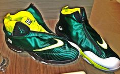 pretty nice 642de 38780 sole collector nike air zoom flight the glove 01 Sole Collector x Nike Air  Zoom Flight The Glove