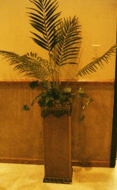 Decorative planters and fern made by Dream Themes. Several made, but all had different patterns and design