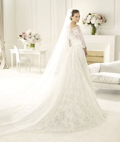 Wish I were getting married again. an Elie Saab wedding dress - yes please! Pronovias presents the Folie wedding dress. Elie by Elie Saab Wedding Dress 2013, Pronovias Wedding Dress, Perfect Wedding Dress, Wedding Gowns, Lace Wedding, Dream Wedding, Wedding Bride, Wedding Ideas, Wedding Photos