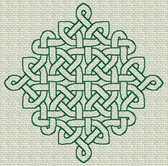 Could so dress this up to make the perfect center block for my celtic quilt!