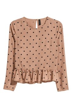 Blouse with a flounced hem - Beige/Spotted - Ladies H&m Fashion, Hijab Fashion, Fashion Outfits, Pretty Outfits, Cute Outfits, Fancy Tops, Polka Dot Blouse, Polka Dot Top, Blouse Styles