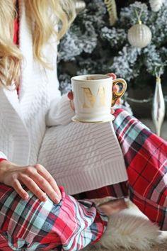 coffee and Christmas Tartan Christmas, Cottage Christmas, Plaid Christmas, Winter Christmas, Christmas Home, Christmas Ideas, Xmas, Christmas Clothes, Christmas Kitchen