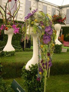The British Florist Association - Support Your Local Independent BFA Florist Flower Headpiece, Headdress, Fresh Flowers, Beautiful Flowers, Flower Costume, Garden Dress, Flower Hats, Floral Necklace, Floral Fashion