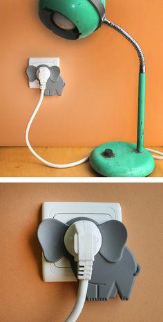 steckdose mit elefanten-form bodenlampe