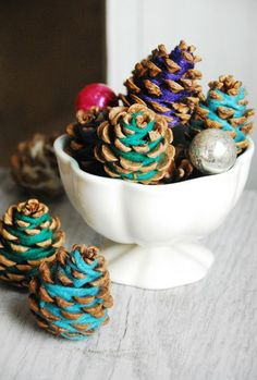 2013 Christmas Pinecones Crafts, Blue and Purple Pinecone Craft for 2013 Christmas #Christmas #Pinecone #Crafts #Ideas www.loveitsomuch.com