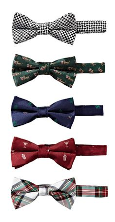 I hate pre tied bow ties but i'm really digging the red cocktail one m Groomsmen Gifts Unique, Dress Shirt And Tie, Bowtie And Suspenders, Hipster Man, Golf Outfit, Fashion Stylist, Stylish Men, Bow Ties, Man Shop