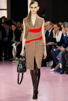 Christian Dior Fall 2015 RTW Collection - Style.com. Long live fashion: LÜR Nail presents the best designer runway looks of the Paris Autumn/Winter 2015 Collections.