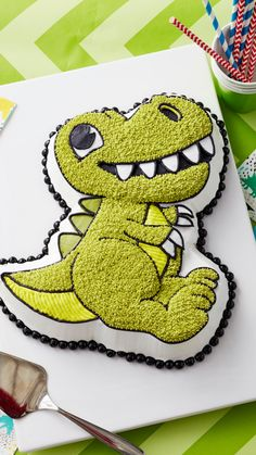 Dinosaur Cake Pan, Dino Cake, Dinosaur Birthday Cakes, Dinosaur Party, Make Birthday Cake, Happy Birthday, Wilton Cake Decorating, Character Cakes, Cake Decorating Techniques