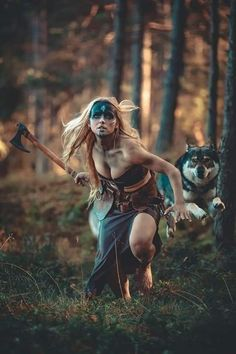Don't hit me with that axe,warrior woman, I give up! Fantasy Art Women, 3d Fantasy, Fantasy Warrior, Medieval Fantasy, Fantasy Girl, Tribal Warrior, Warrior Pose, Warrior Girl, Warrior Princess