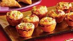 DELICIOUS FINGER FOOD FOR PARTIES: MINI QUICHE FILLED WITH SALMON