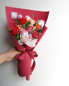 #킨더조이사탕꽃다발 입니다 아이들에게 인기가 좋아요 세가지 컬러 준비했습니다 ✌ . . . . 화정달빛꽃집은 화정 명지병원 맞은편 대로변에 위치하고 있습니다 ☝ . . . . . . . . . 졸업식꽃다발 예약 받습니다 원하시는 꽃. 전체적인 컬러톤은 필요하신 날짜에서 2-5일전 예약 부탁드립니다 . . . #달빛표꽃다발 . 월수금요일은 꽃들어오는 날입니다 원하시는 꽃은 미리 예약해주세요 ☝ ✔️꽃 나무 계정은 @dalbit_plantshop ✔️(08:00-22:00) ✔️(주문카톡 - bbomia88) #꽃바구니#꽃스타그램#원당꽃집#일산#럽스타그램#일산꽃집#꽃집#화정꽃집#달빛꽃집#화정#플로리스트#기념일#데이트#일산꽃배달#달빛플라워#예쁜꽃집#소통#백석꽃집#달빛플라워샵 #화정역꽃집#화정예쁜꽃집#일산예쁜꽃집 #재롱잔치꽃다발#킨더조이꽃다발#사탕꽃다발#화정사탕꽃다발#졸업식꽃다발