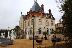 Hotel Château St Pierre de Serjac St Pierre, France, Irish Men, Mansions, House Styles, Home, Manor Houses, Villas, Ad Home