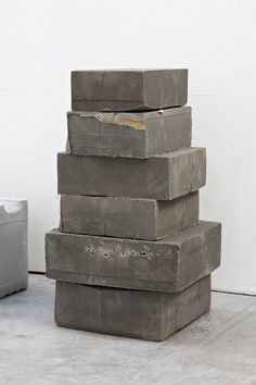 This sculpture is very simple and easy on the eyes. All the boxes look the same except for size providing a unity that is obvious but simple. Concrete Sculpture, Art Sculpture, Concrete Art, Concrete Design, Abstract Sculpture, Concrete Blocks, Contemporary Sculpture, Contemporary Art, Bokashi