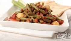 Lebanese Food: Loubieh Bi Zeit Recipe - How to make Loubieh Bi Ze. Easy Lebanese Recipes, Easy Healthy Recipes, Veggie Recipes, Vegetarian Recipes, Cooking Recipes, Arabic Recipes, Greek Recipes, Lebanon Food, Appetizer Dishes