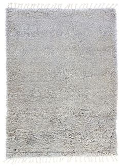 Take a walk in the clouds with the Tala collection of luxury solid and heathered rugs. Ultra plush in hand-knotted wool and nylon blend, each rug exudes luxury and comfort underfoot. Solid Rugs, Jaipur Rugs, Fringe Trim, Hand Knotted Rugs, Rug Making, Wool Blend, Area Rugs, Collection, Vintage