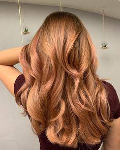 """Karolína Machovič na Instagramu: """"Naked Blush! Při minulé návštěvě v červnu jsem klientce napojovala odrostlou blond balayagí, aby přechod odrostu nebyl tak ostrý. Dnes…"""" Blushes, Long Hair Styles, Beauty, Instagram, Rouge, Long Hairstyle, Blush, Long Haircuts, Long Hair Cuts"""
