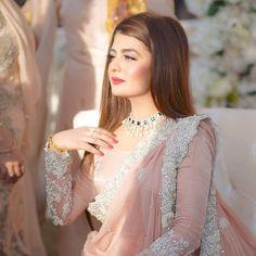 Pakistani pink bridal saree designs for weddings Pakistani Wedding Outfits, Pakistani Wedding Dresses, Pakistani Dress Design, Saree Wedding, Wedding Wear, Wedding Beauty, Summer Wedding, Beautiful Saree, Belle