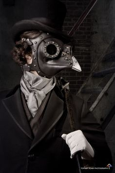 Meet Dr Beulenpest steampunk plague doctor Made of - veg tan leather with cold cast aluminum eyepieces and beak Steel dome rivets and buckles complete the look This mask is Viktorianischer Steampunk, Steampunk Cosplay, Steampunk Fashion, Steampunk Outfits, Victorian Fashion, Plague Mask, Plague Doctor Mask, Steam Punk, Larp