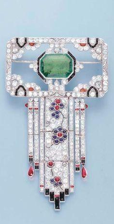 Art Deco Emerald and Diamond Brooch, ca. 1925