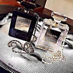 How to Chic: DIY CHANEL PERFUME CLUTCH